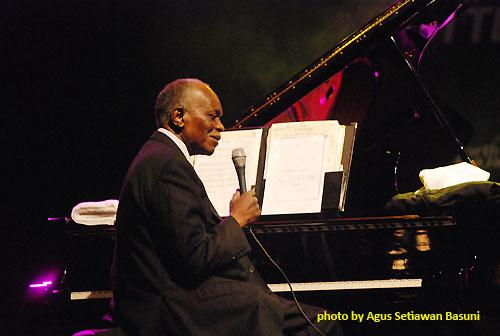 Pianis Hank Jones saat tampil di North Sea Jazz Festival 2009