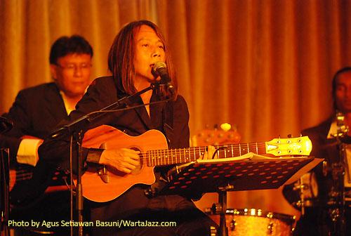 Jenggala Jazz - Xiong (gitar)