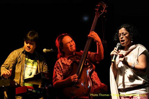 Dwiki Dharmawan, Pra Budi Dharma & Ubiet saat tampil di Jazz @ Fort Rotterdam