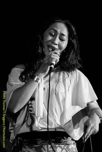 Mercy Dumais di Jazz @ Fort Rotterdam 2010 - Makassar