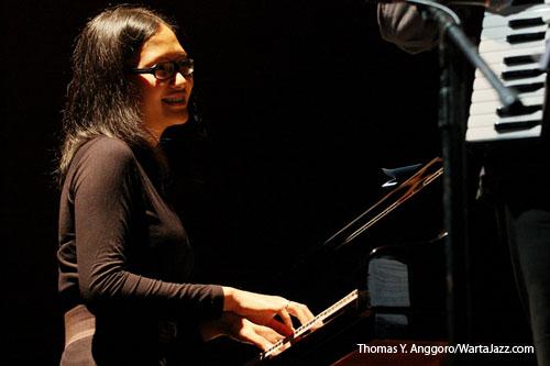 Mery Kasiman saat tampil di Serambi Jazz edisi Agustus 2010