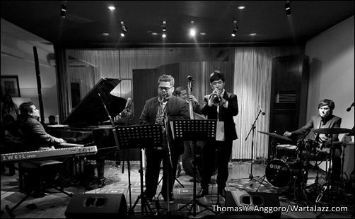 Indra Lesmana Quintet saat tampil di Red White Jazz Lounge, Jakarta