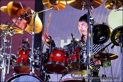 Akira Jimbo - One-Man Orchestra Performance (Yogyakarta)
