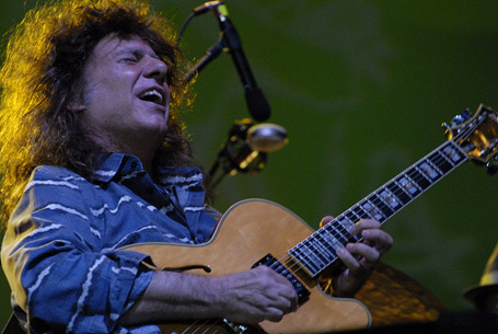 Photo of Djarum Super Mild Java Jazz Festival 2012: Pat Metheny Project