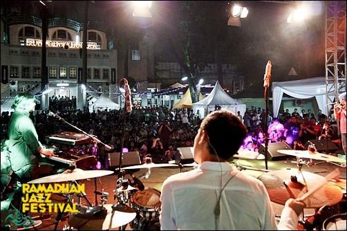 2nd-Ramadhan-Jazz-Festival-2012-penonton.jpg