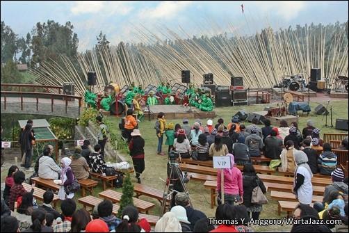Kelompok Kesenian Damarwangi Banyuwangi - Jazz Gunung 2012