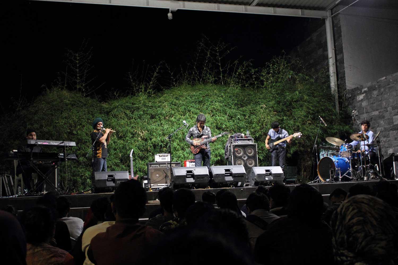 Photo of Percakapan musikal Dewa Budjana bersama Ade Irawan