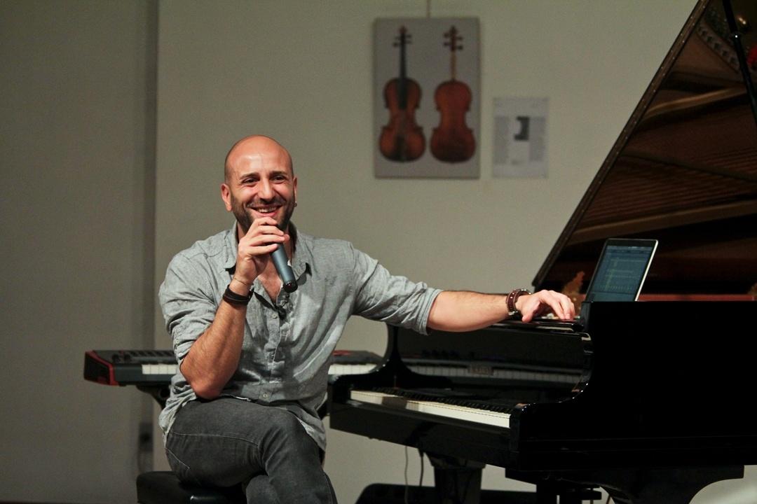 Photo of Kekko Fornarelli, bernarasi monolog lewat piano tunggal