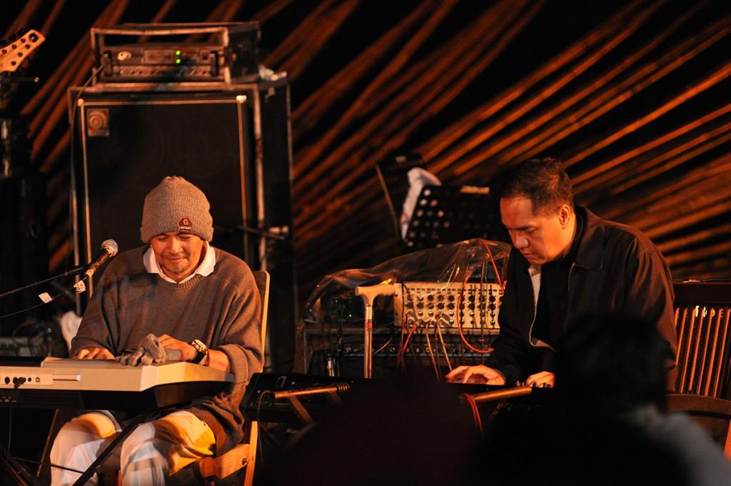 Musisi Jazz Idang Rasjidi berduet dengan Menteri Perdagangan Gita Wirjawan hanya di Jazz Gunung 2013 (Photo : Iyori/WJ)