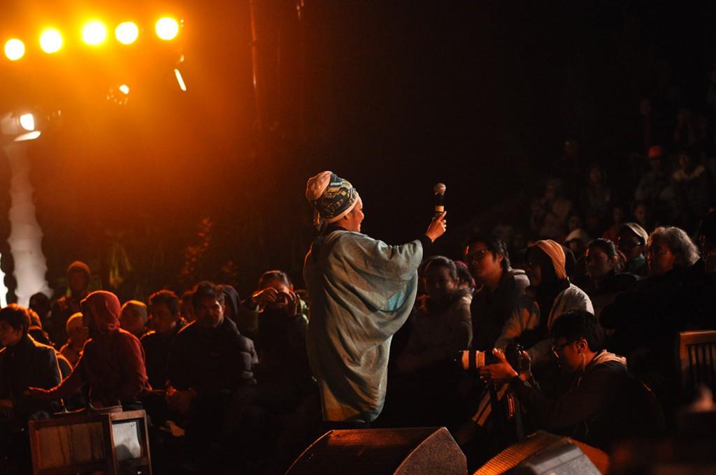 Rieka Roslan menghangatkan suasana Jazz Gunung 2013 (Photo : Iyori/WJ)