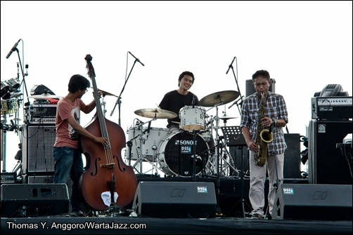 BSE Trio - Jimbajazz 2013