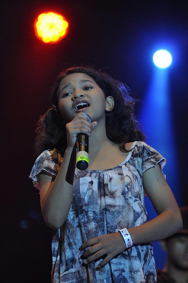 Zahra dan Semen Indonesia Band