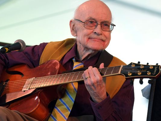 Photo of Bapak gitar modern jazz Jim Hall tutup usia