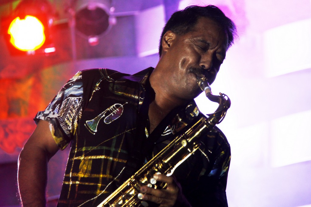 "Saxophonist Michael Paulo, ikut serta menjadi ""duta"" batik lewat musik jazz (photo by Ari Kurniawati)"