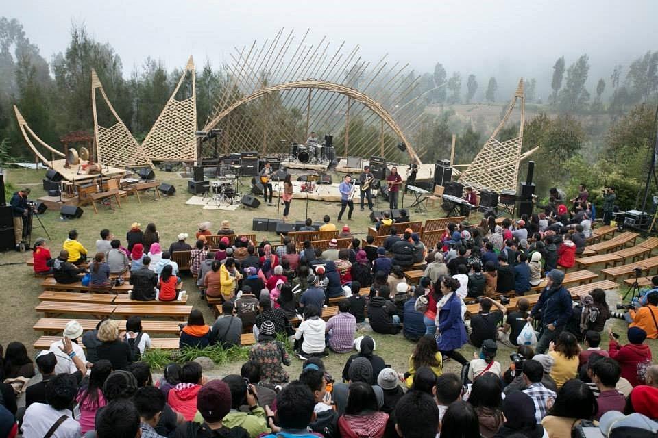 Photo of Jazz Gunung 2014 Hari Kedua: Warna-warni jazz di ketinggian gunung