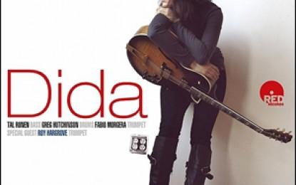 Dida Pelled – Plays and Sings