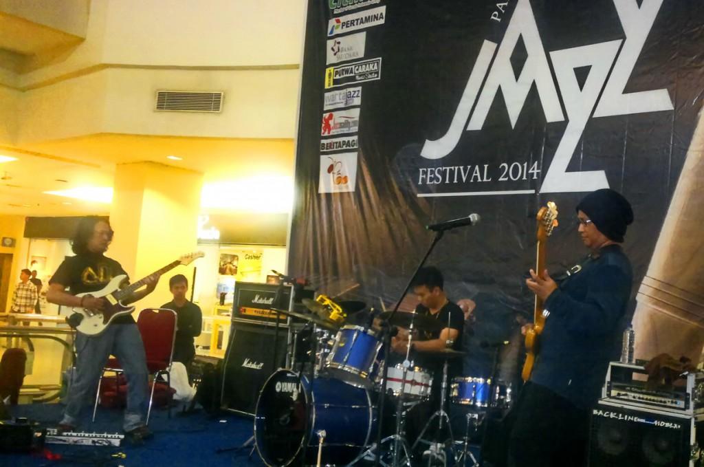 Bintang Indrianto Trio