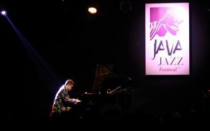 Komposisi manis Rapsodia Nusantara khas Ananda Sukarlan (Java Jazz Festival 2015)