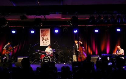 Lewati sore bersama Benny Mustafa Quartet di Lawu Acoustic Hall (Java Jazz Festival 2015)