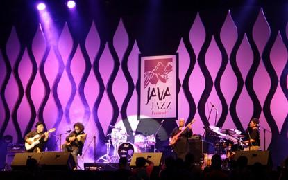 Gilang Ramadhan sanjung bunyi tradisi NTT lewat The Komodo Project (Java Jazz Festival 2015)