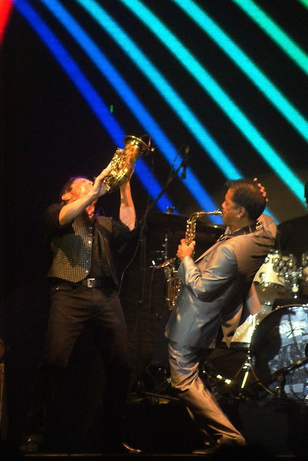 "Dave Koz & Michael Paulo di Economic Jazz 20th 2015 (Photo : Gono ""Mamiek"" Santoso"")"
