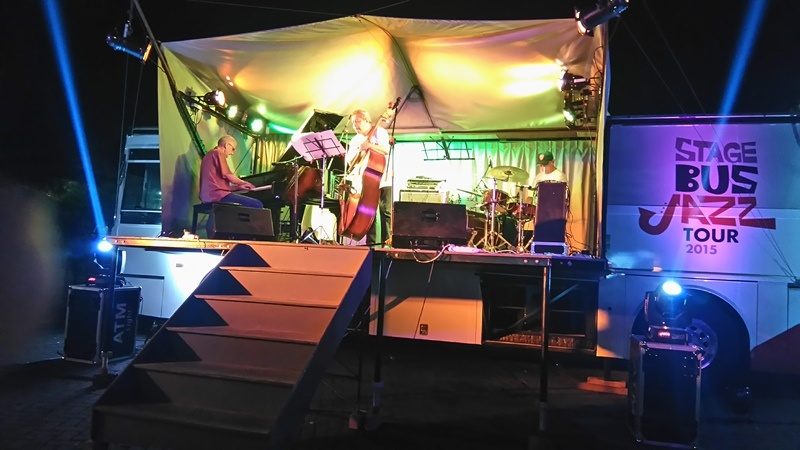 Photo of MP3 Trio dan Dira Sugandi Sapa Kota Malang di Acara MLD Spot : Stage Bus Jazz Tour 2015