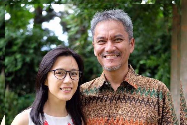 Riza Arshad (alm) dalam kenangan bersama istri Reny K. Agustia Arshad