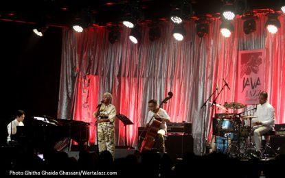 "Jazz Rasa ""Indonesia"" dari Sri Hanuraga Trio feat. Dira Sugandi"