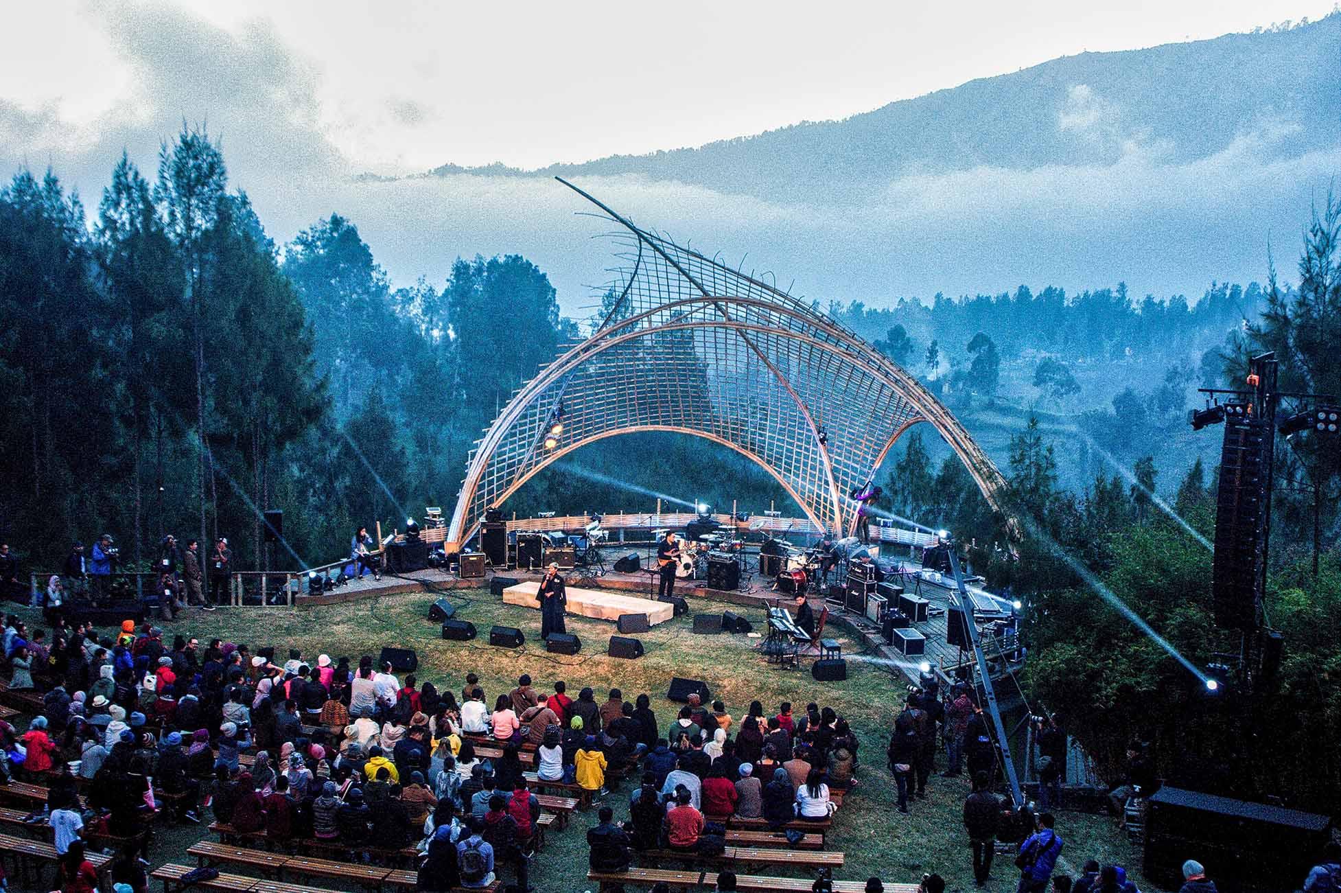 Photo of Gema KeIndonesiaan di Jazz Gunung 2017