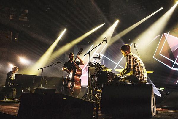 Photo of GoGo Penguin – band jazz eksperimental dari Manchester Inggris
