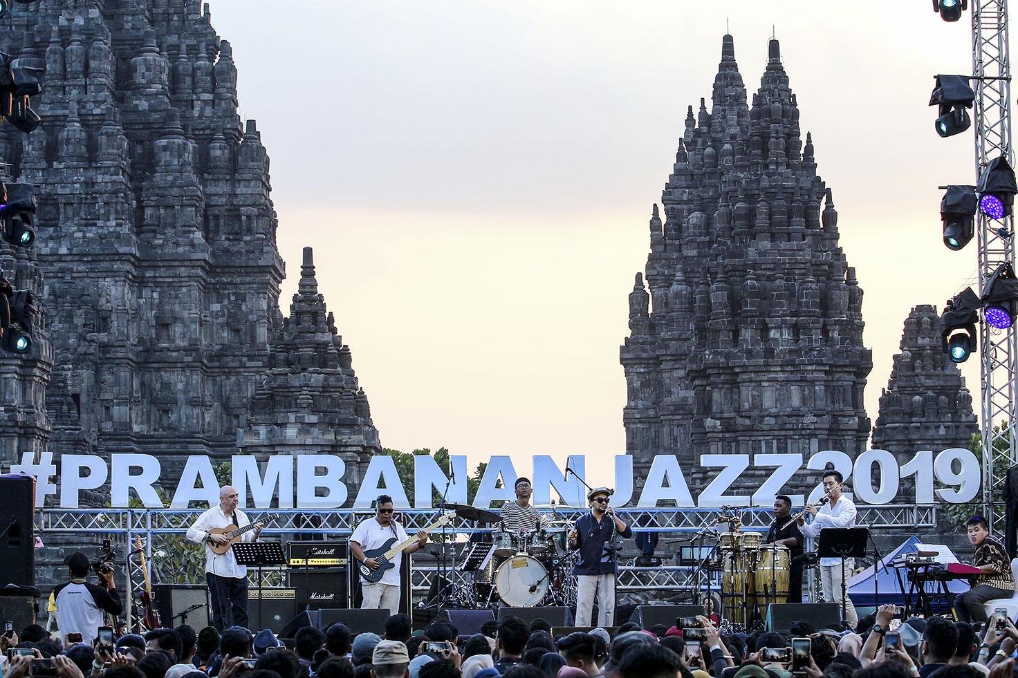 Photo of Nostalgia Bersama Bali Lounge Di Prambanan Jazz 2019